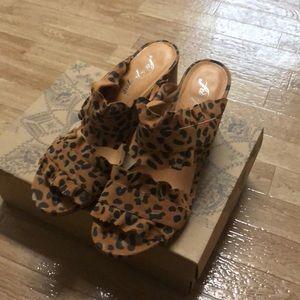 Free People Rosie Ruffle Heel Leopard Size 39 NEW